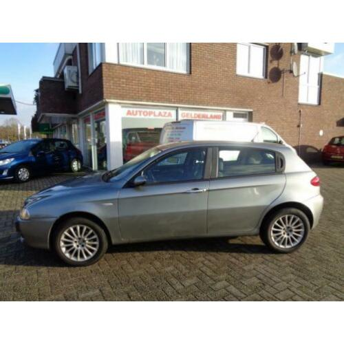 Alfa Romeo 147 1.6 T.Spark Progression (bj 2006)