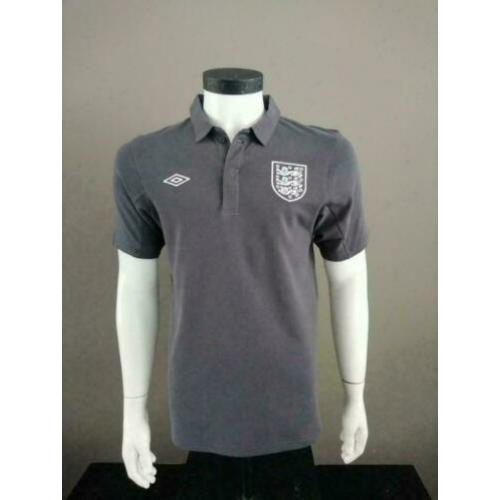 Umbro voetbal polo. Grijs. England National Team Maat M.